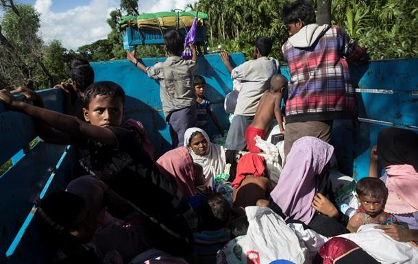 США снова начнут принимать беженцев