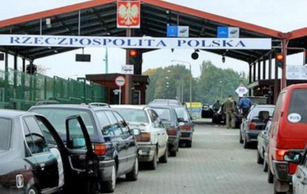 Польща посилила перевірки на кордоні з Україною