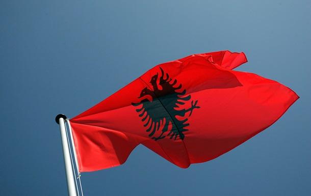 Экс-главу МВД Албании обвинили в наркоторговле