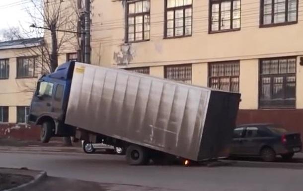В Украине продолжают брать взятки за  пропуск «перегрузов»