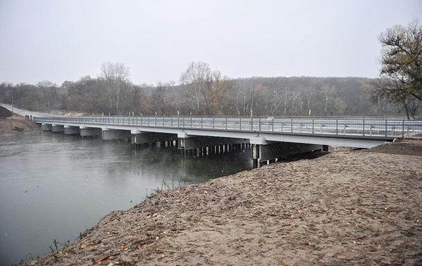 На Луганщине восстановили мост, разрушенный в 2014 году