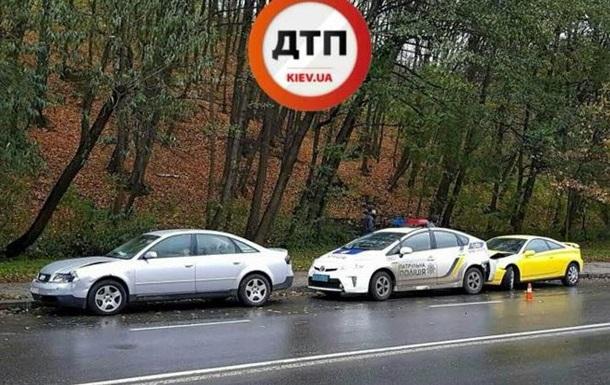 ДТП сучастием милиции: вКиеве столкнулись несколько авто