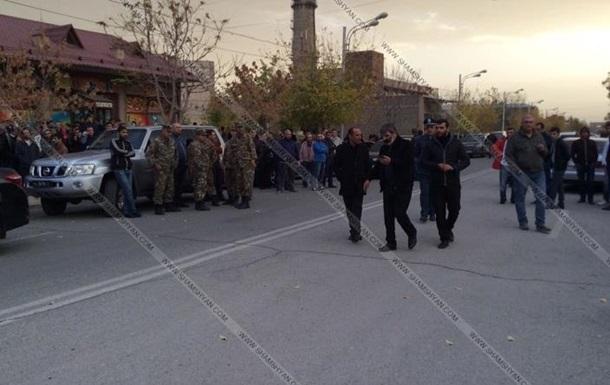 Чоловік, який захопив заручників у дитсадку Вірменії, госпіталізований