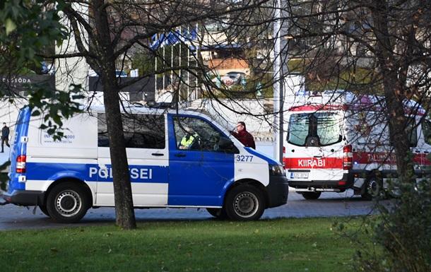 В Таллине полиция застрелила мужчину, бросавшегося на прохожих с ножами