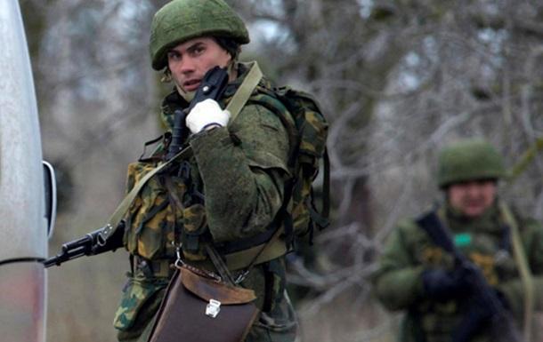 В Крыму усилили охрану на складах с оружием