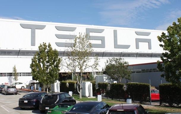 Tesla понесла рекордные убытки в истории