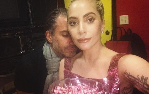 Певица Леди Гага и ее агент обручились - СМИ