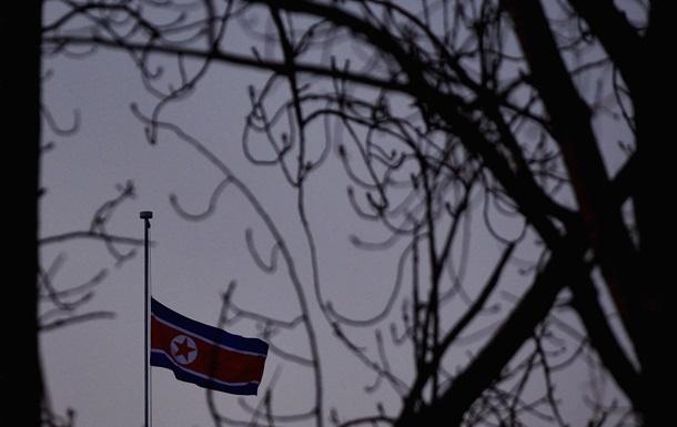 Южная Корея: КНДР разрабатывает миниатюрные ядерные боеголовки