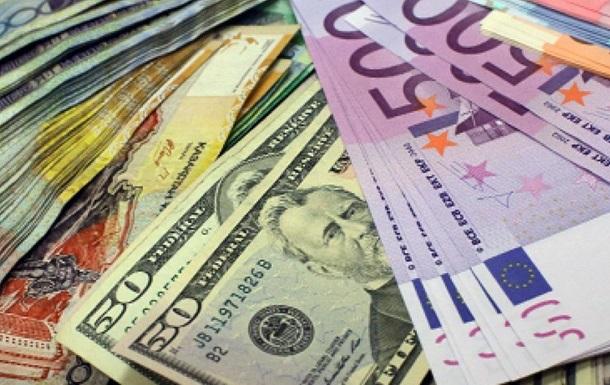 Курс валют: давление на гривну будет продолжаться