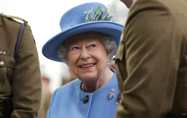 Королева Британії інвестувала в офшори 10 мільйонів фунтів