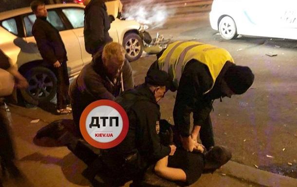 У Києві п яний водій, втікаючи від поліції, протаранив вантажівку