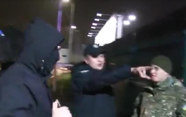 Появилось видео нападения на журналистов в аэропорту Киев