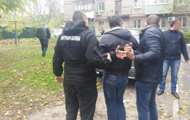 В Запорожье полицейский требовал взятку с экипажа судна