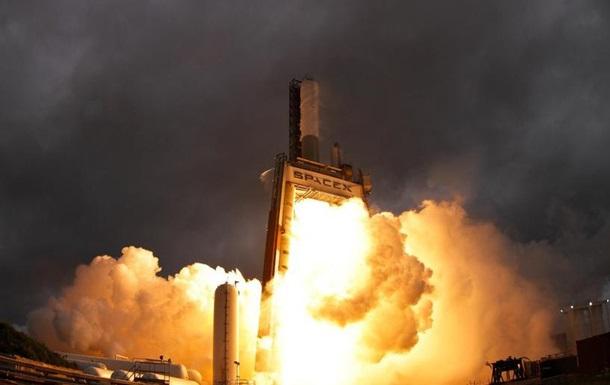 Двигатель для ракеты Falcon 9 взорвался во время испытаний