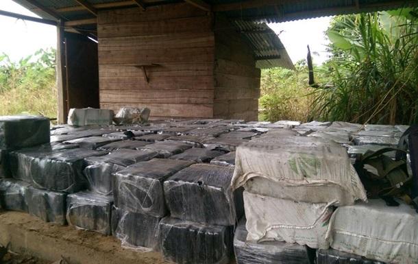 В Колумбии изъяли рекордную партию кокаина в 12 тонн