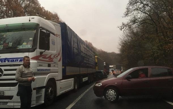 В Ужгороде транспортный коллапс