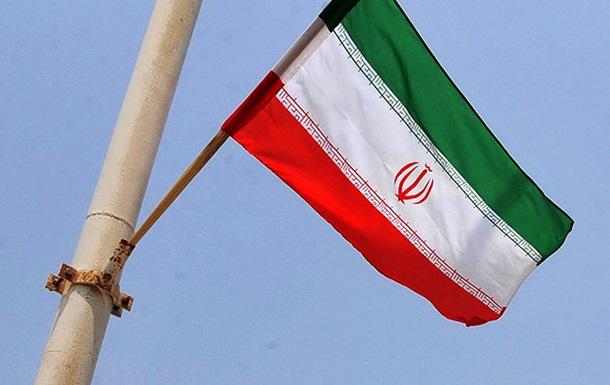 Макрон: США штовхають Іран створити ядерну зброю