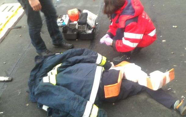 На Донбассе подросток выпал из окна седьмого этажа и остался жив