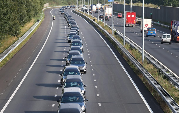 В ГФС узнали, сколько в стране авто на еврономерах