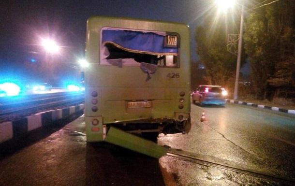 У Харкові в ДТП двох маршруток постраждали 11 осіб