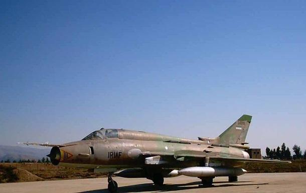 В Ірані розбився військовий літак