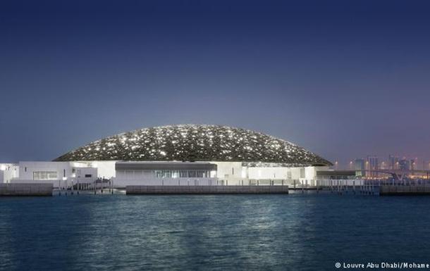В ОАЕ відкрили для відвідувачів музей  Лувр Абу-Дабі