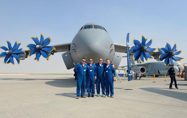 Украинские самолеты показали на авиасалоне в Дубае