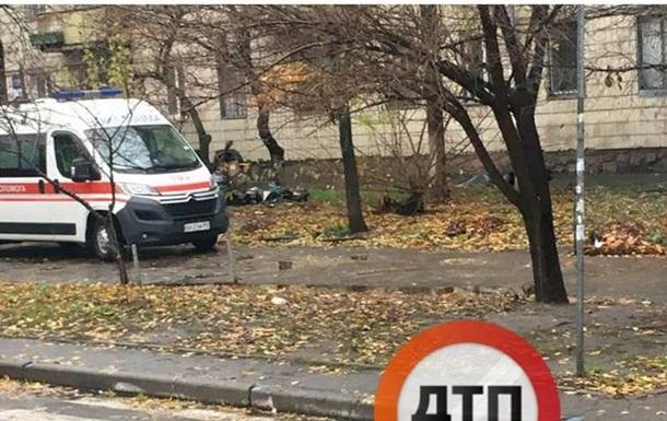 В Киеве на улице нашли умершего мужчину