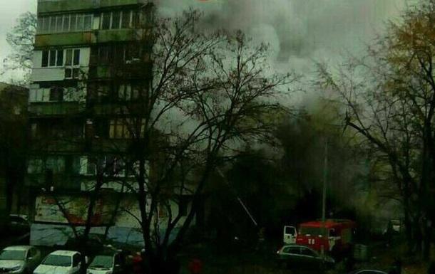 В Киеве горела квартира в многоэтажке