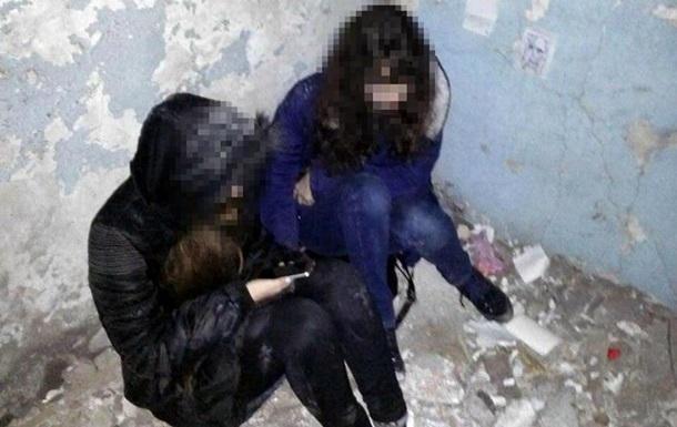 У Маріуполі двоє дівчат намагалися накласти на себе руки