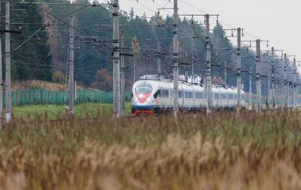 РФ запускает пассажирские поезда в обход Украины