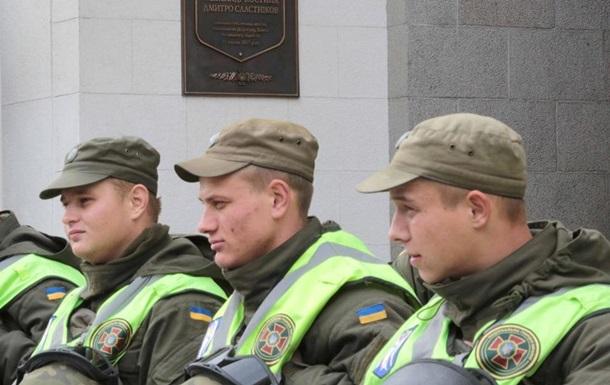 Бійці Нацгвардії патрулюють Ужгород