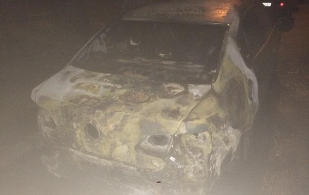На околиці Харкова підпалили чотири авто