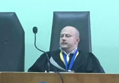 Удобные судьи Днепра