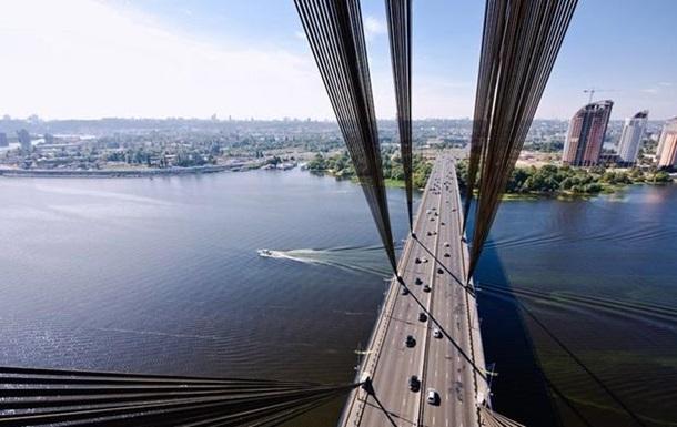 В Киеве частично ограничат движение по Московскому мосту