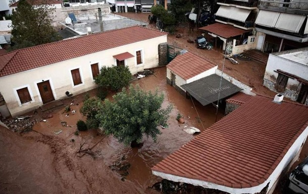 Повінь в Афінах забрала життя 15 людей
