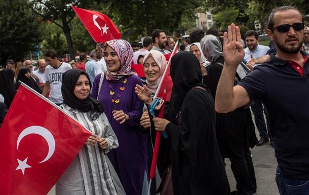 Туреччина хоче отримати 6 млрд євро за мігрантів