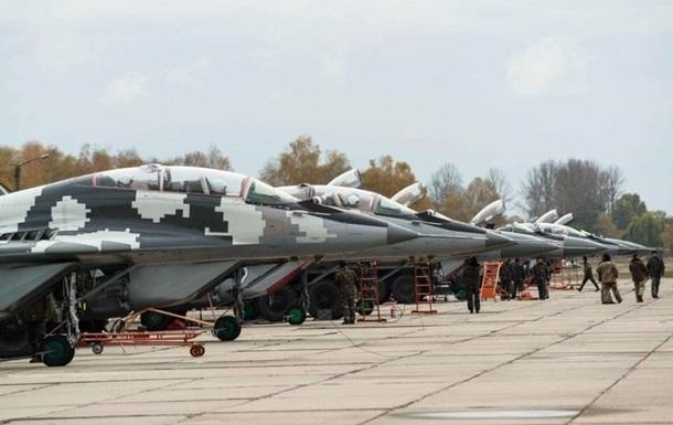Київ перекине на захід бригаду військової авіації