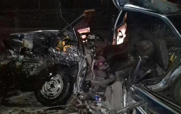 В Запорожской области ВАЗ столкнулся с грузовиком: двое погибших