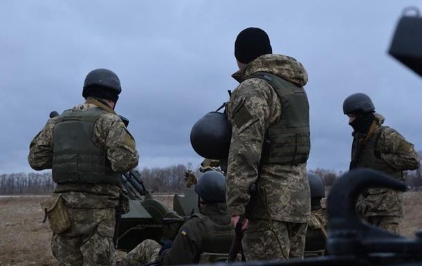Взоне АТО нанеизвестном устройстве подорвался украинский боец