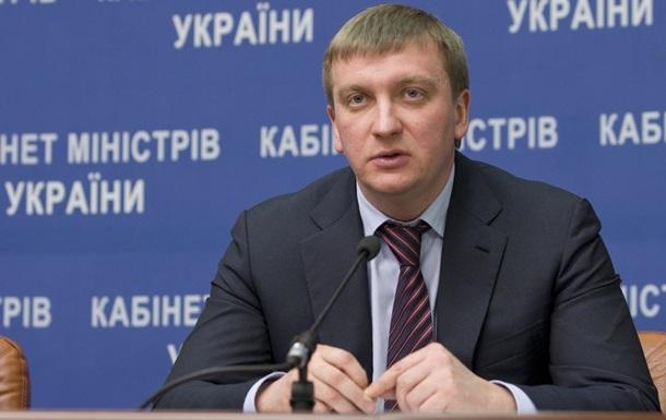 Янукович може повернутися в Україну, не побоюючись за своє життя - Петренко