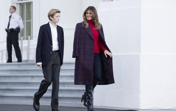 Перша леді США в стильному вбранні обирала ялинку