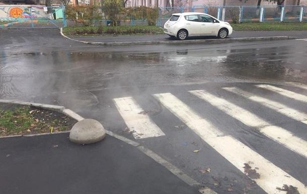 В Киеве две улицы тонут в кипятке