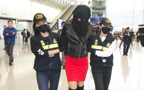 В Гонконге задержали 19-летнюю модель с 2,6 килограммами кокаина