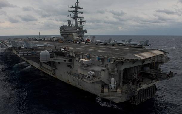 Самолет ВМС США упал в море возле острова Окинава