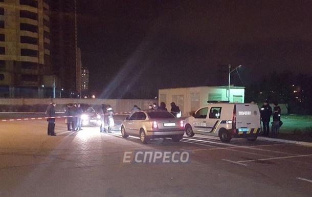 У Києві в каналізації знайшли тіло підлітка