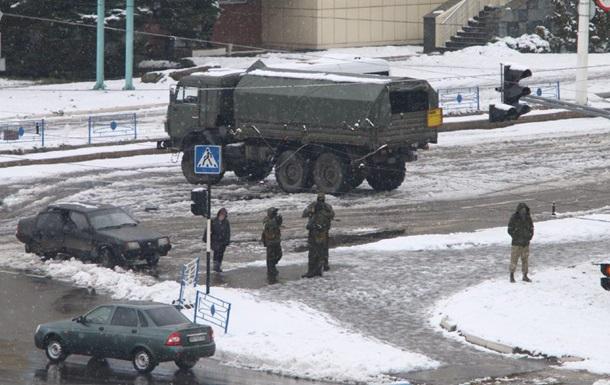 В Луганске захватывают здания, Плотницкий заблокирован - соцсети
