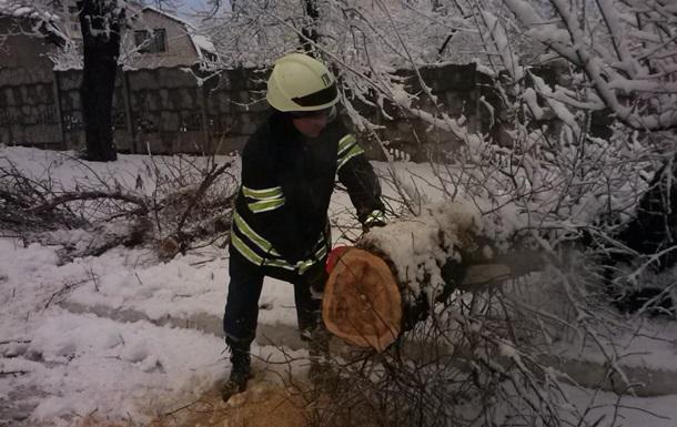 Луганщину засыпало снегом