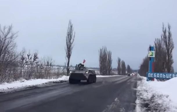 Военная колонна уехала из Луганска в ДНР - СМИ