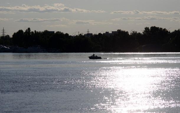 На Каневском водохранилище вторые сутки ищут пропавших рыбаков